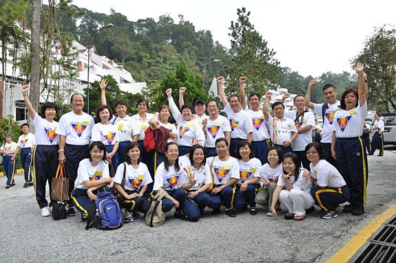KC & the Sunshine Runners: Zhineng Qigong (M'sia) Retreat Class
