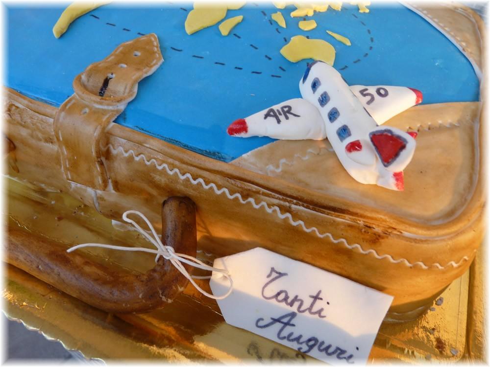 Torte in festa la valigia dei sogni for Decorazioni torte ninjago
