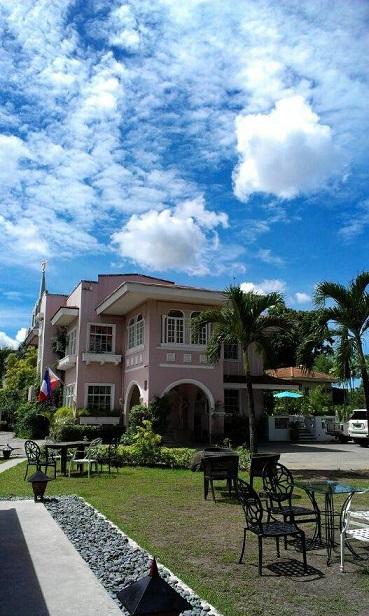 la maison pink house restaurant