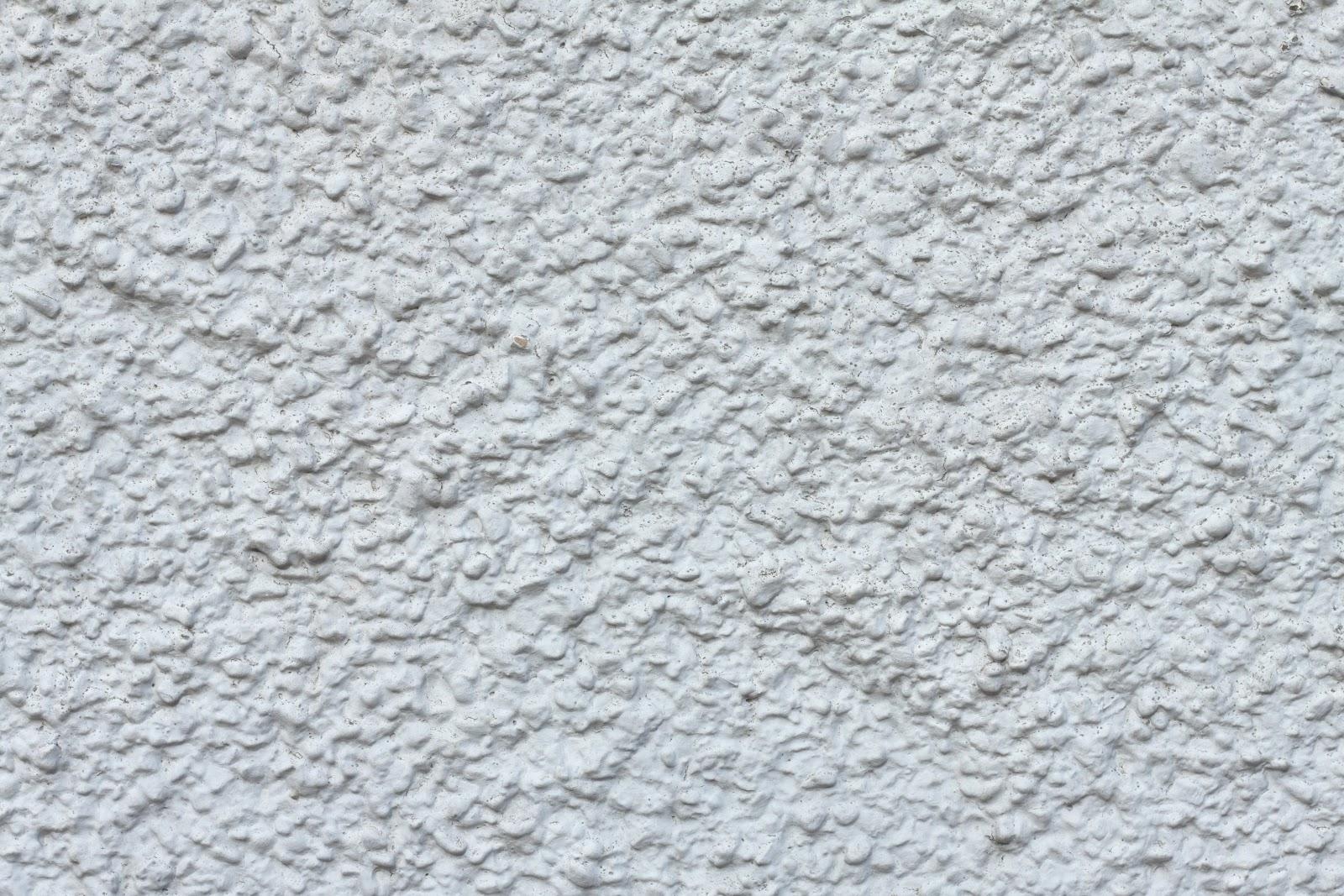Lumpy plaster