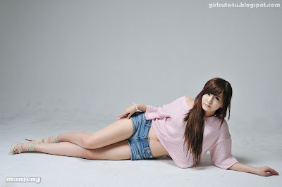 9 Ryu Ji Hye-Pink Sweater-very cute asian girl-girlcute4u.blogspot.com