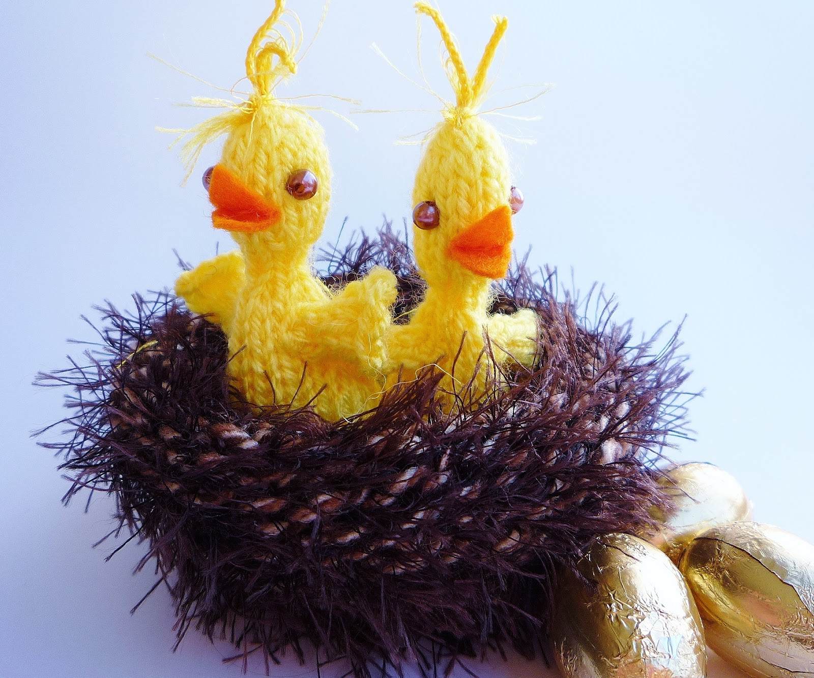 Knitting Pattern For Easter Chick Egg Holder : the Creations of Crazy Dazy
