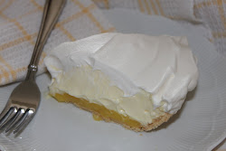 No-Bake Lemon Cheese Cake Pie