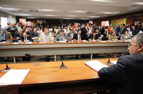 Debate sobre projeto foi acompanhado em dezembro de 2011 por militantes LGBT (Foto: Lia de Paula/Arquivo Senado)