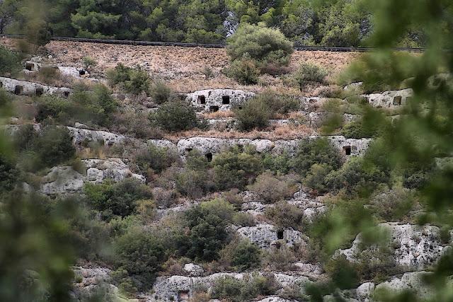 Visitare la necropoli di pantalica in Sicilia