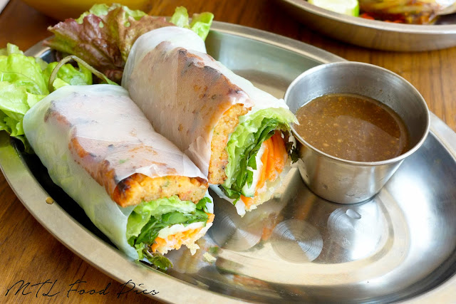 Cha Tom Spring Roll with Tamarind Dipping Sauce