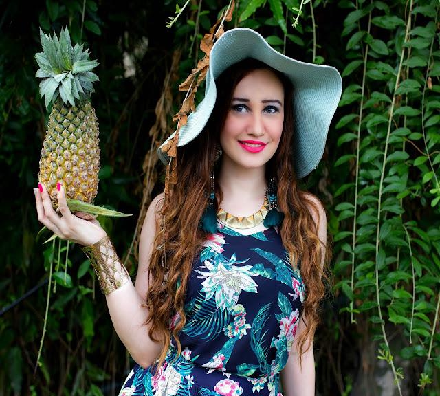 VERO MODA Floral Top, Feather Earrings, Sun-hat, Resort Wear, Pineapple fashion