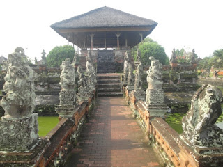 Taman Gili - Kertha Gosa - Bali Traditional Building Court of Justice