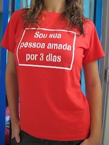 """Camiseta """"Sou sua pessoa amada por 3 dias"""". Baby look vermelha tamanho M - R$ 25,00"""