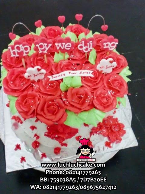 Kue Tart Bunga Mawar MerahRomantis Untuk Pasangan Daerah Surabaya - Sidoarjo