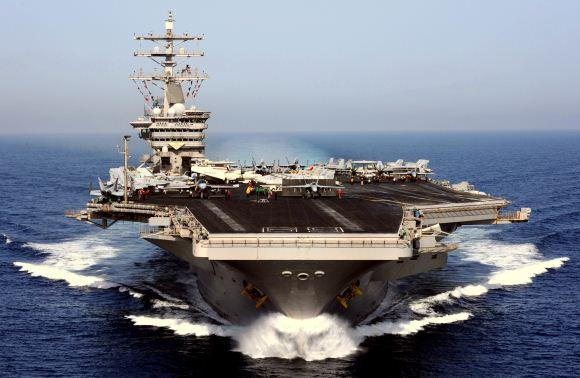 Kapal induk AS USS Dwight D. Eisenhower