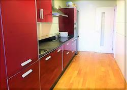 Piso de tres dormitorios en venta en Avenida de Navarra, vistas, garaje. 230.000€