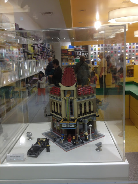The Upscale LEGO Town movie theatre