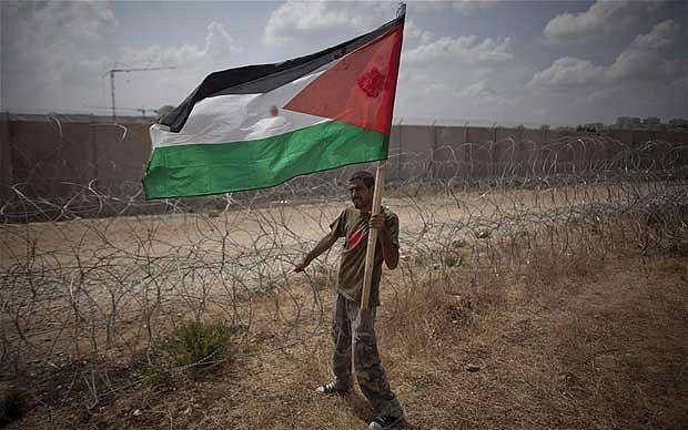 Régimen israelí quiere retirar permiso de residencia a 230.000 palestinos
