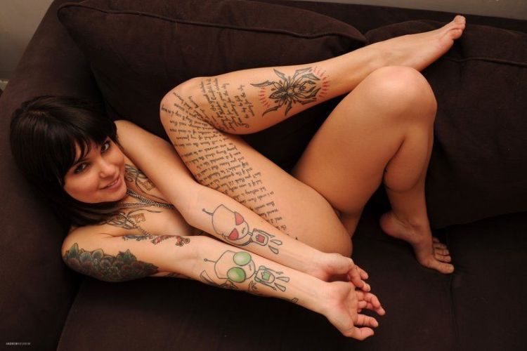 Sexy Nude Girls Tattoos