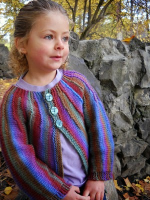 Free Crochet Pattern Little Girl Sweater : aufildesenvies: 10 modeles gratuits de tricot en Ambrosia ...