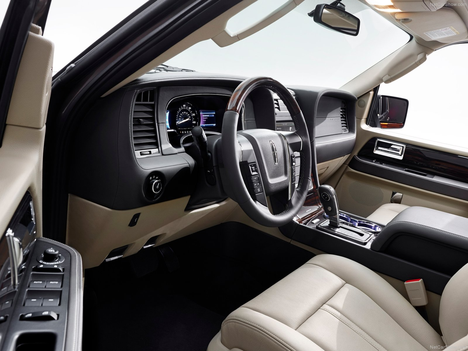 Hình ảnh xe ô tô Lincoln Navigator 2015 & nội ngoại thất