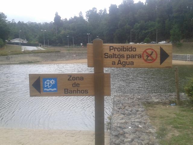Indicações de Zona de Banhos e Proibição de Saltos para a água