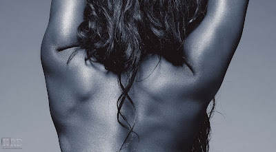 0073 >Kelly Rowland Topless par Derek Blanks