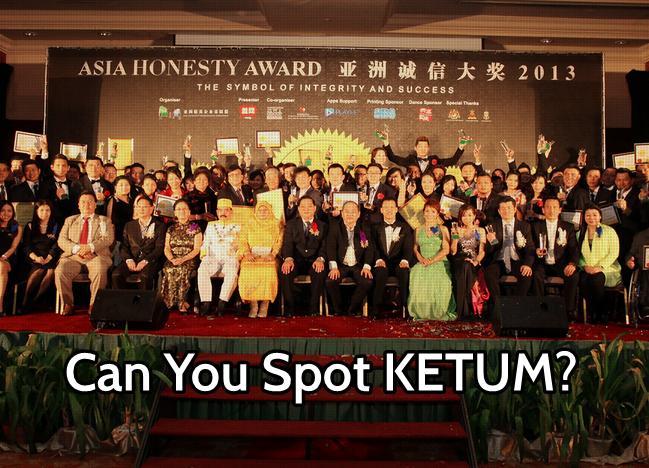 Sultan Melaka Bagi Pingat Robin Tan Bagi Award
