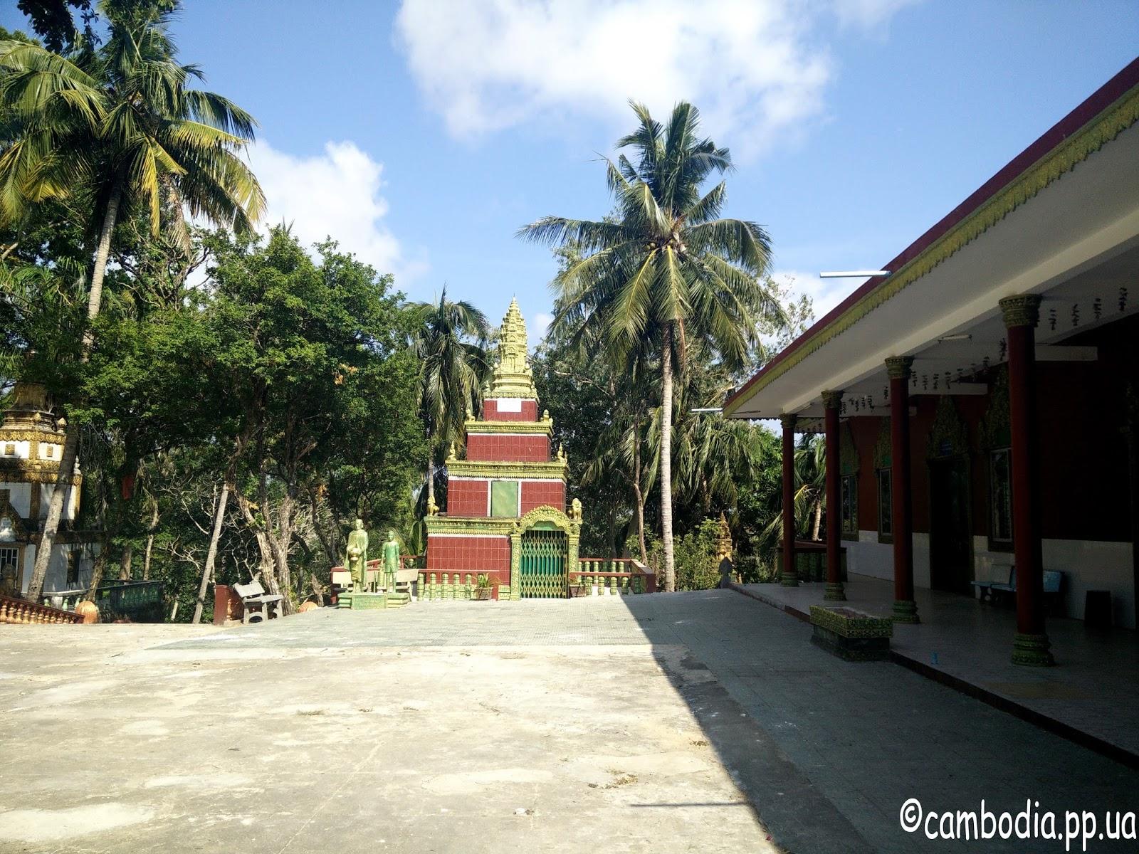 Территория Храма Ват Лео