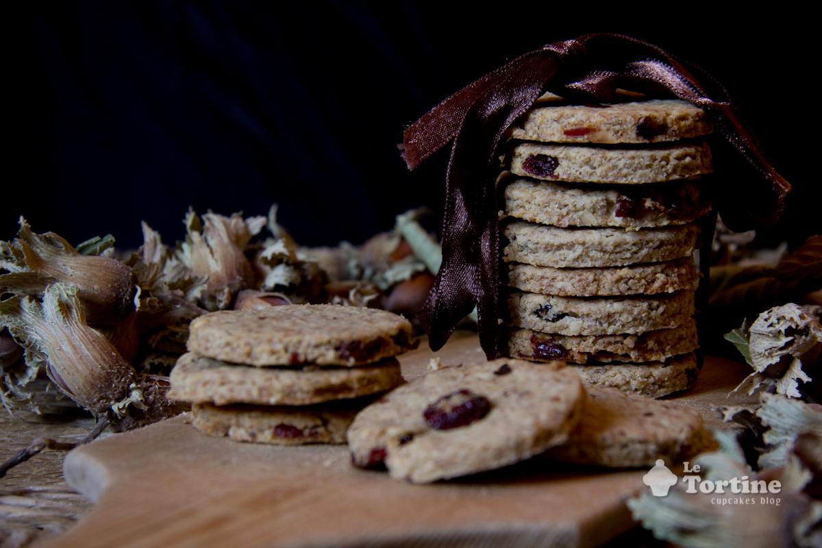 Dolci Da Credenza Biscotti Alle Nocciole : Biscotti integrali ai fiocchi davena nocciole e mirtilli rossi