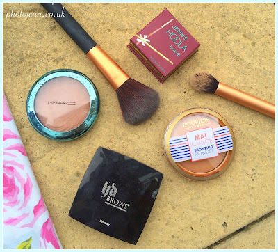 mac-extra-dimention-bronzer--HD-Brows-2-benefit-Hoola-Bourjois-mat-illusion