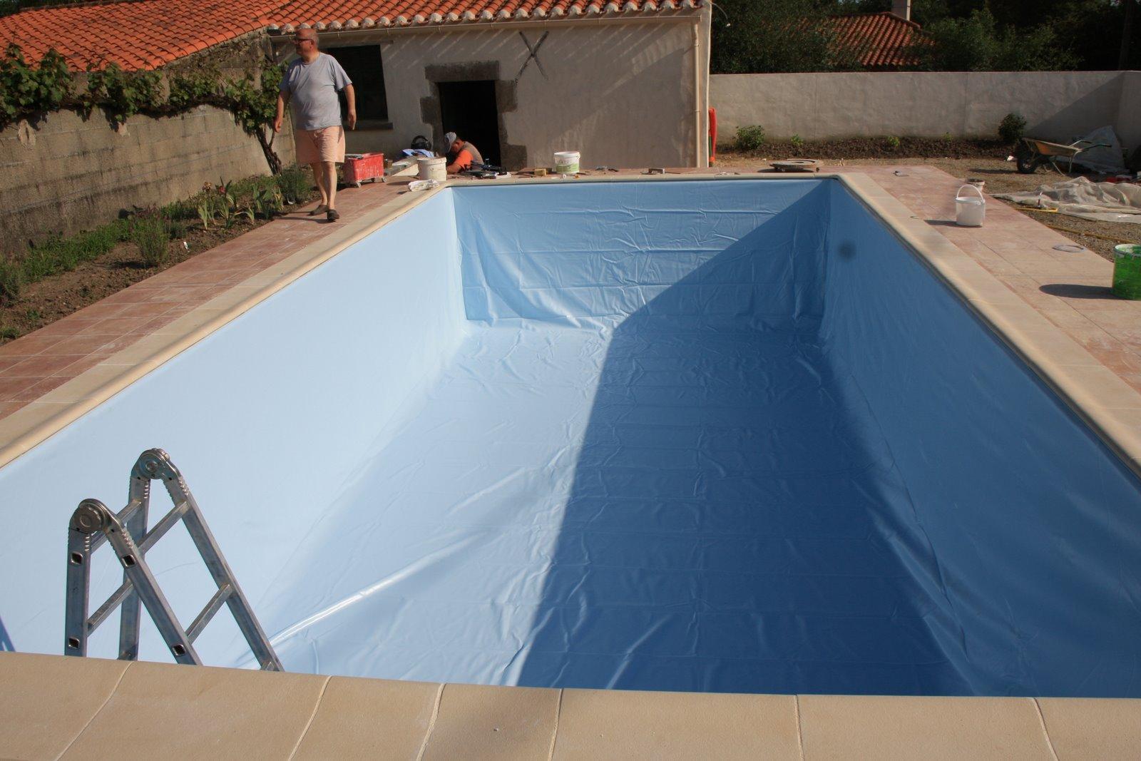 La maison du rouge gorge suite de la piscine for Piscine collignon