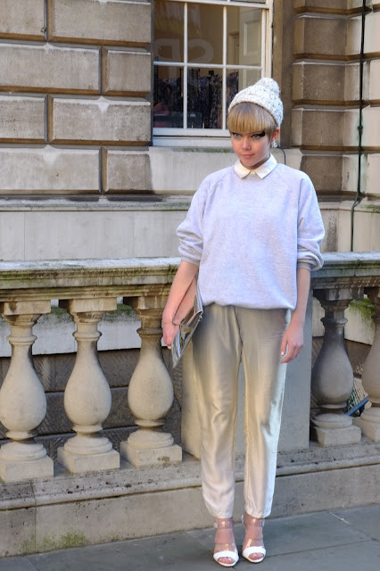 Fashion blogger wearng white at LFW AW!£