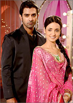 Indian And Paki Wallpapers: Iss Pyaar Ko Kya Naam Doon STAR Plus