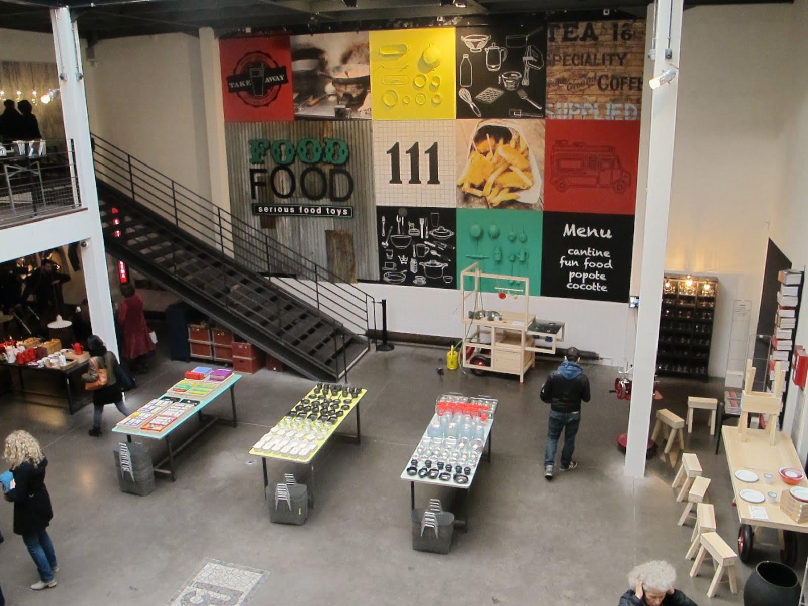 Whiteindoor merci 111 boulevard beaumarchais paris - Merci paris concept store ...