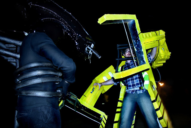Alien versus power loader