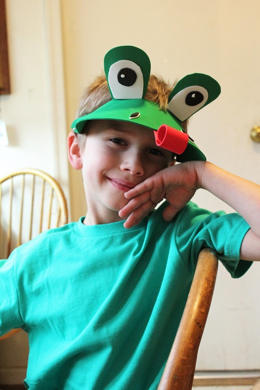 Some kids out there would be upset not to be wearing a store bought costume and here he is super-happy with mommyu0027s frog hat and a plain ...  sc 1 st  Creative Learning & DIY Last Minute Frog Costume | Creative Learning
