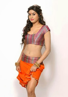 Manisha Yadav sizzle in short ghagra choli showing hot navel and cleavage