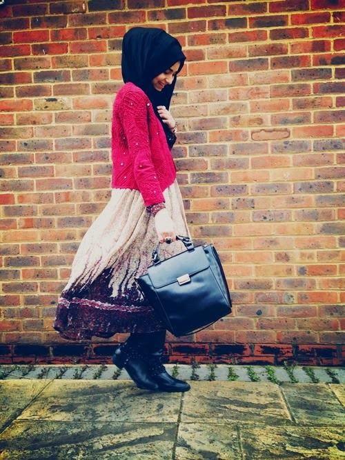 hijabi-women-handbag