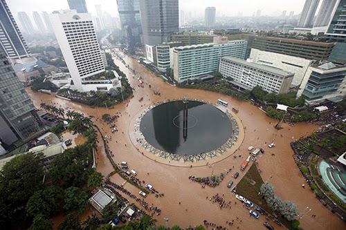 Foto Banjir Jakarta 2015 Bundaran HI