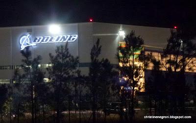 Boeing+787+dreamliner+factory.JPG