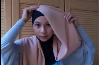 Tutorial Hijab Cocok Untuk Acara Pernikahan