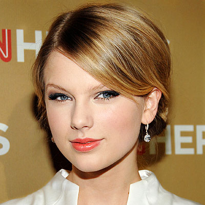 Taylor Swift Natural Hair, Long Hairstyle 2011, Hairstyle 2011, New Long Hairstyle 2011, Celebrity Long Hairstyles 2122