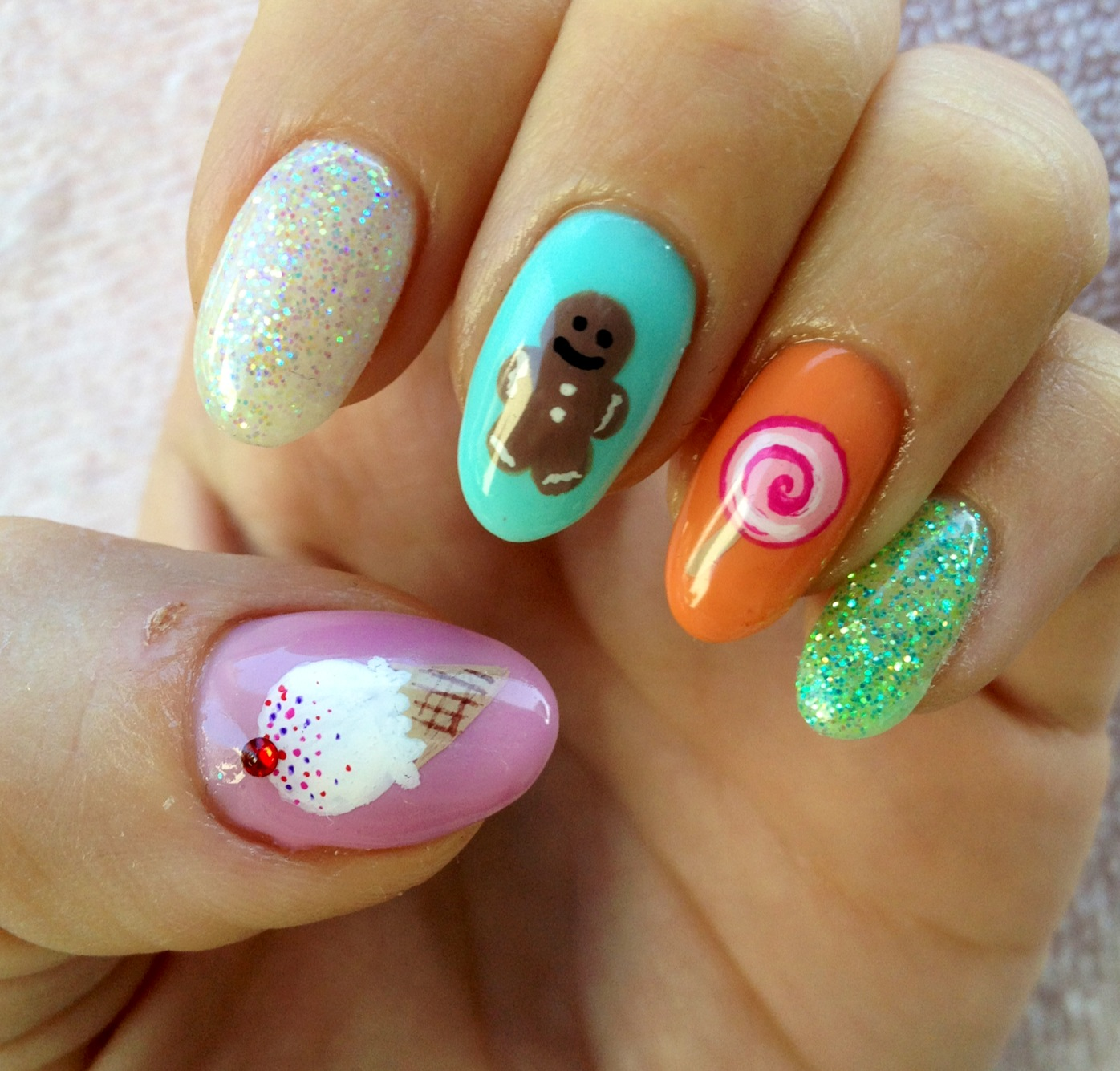 THE ROLLER PIG: Candy Land Nails