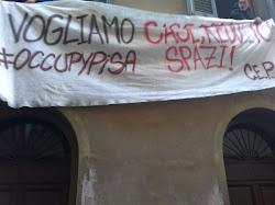 17/11/11 ex sede Banca Popolare di Lodi occupata...il nostro striscione sventola!!!!