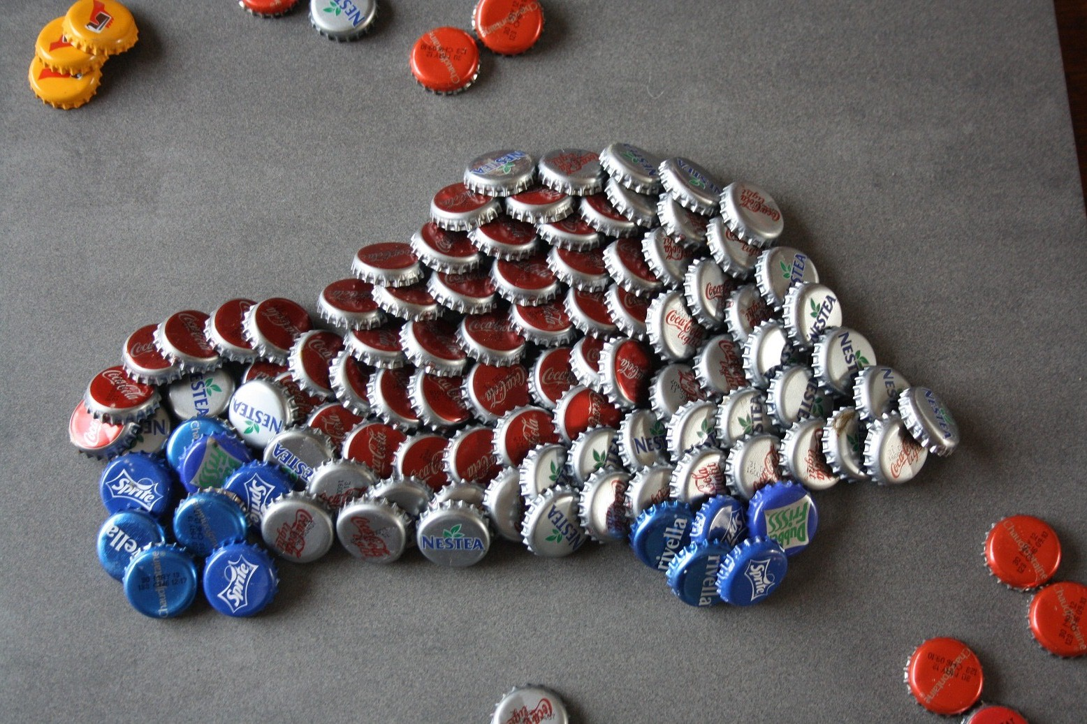 My crafts your crafts bottle cap artwork for Wholesale bottle caps for crafts