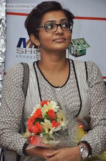 Mariyaan-Actress-Parvathi-Latest-Stills