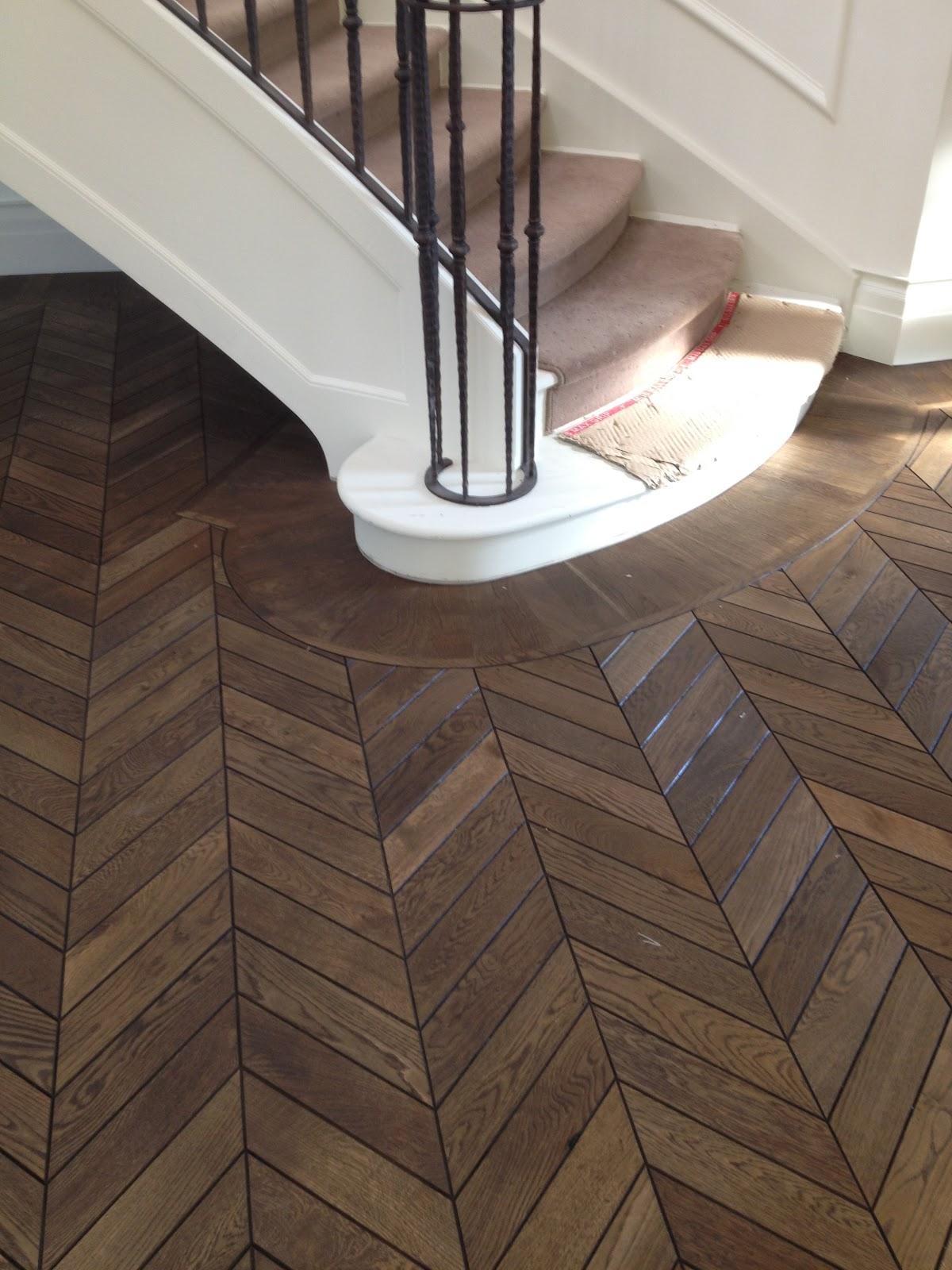 Chevron hardwood floor wood floors for Chevron laminate flooring