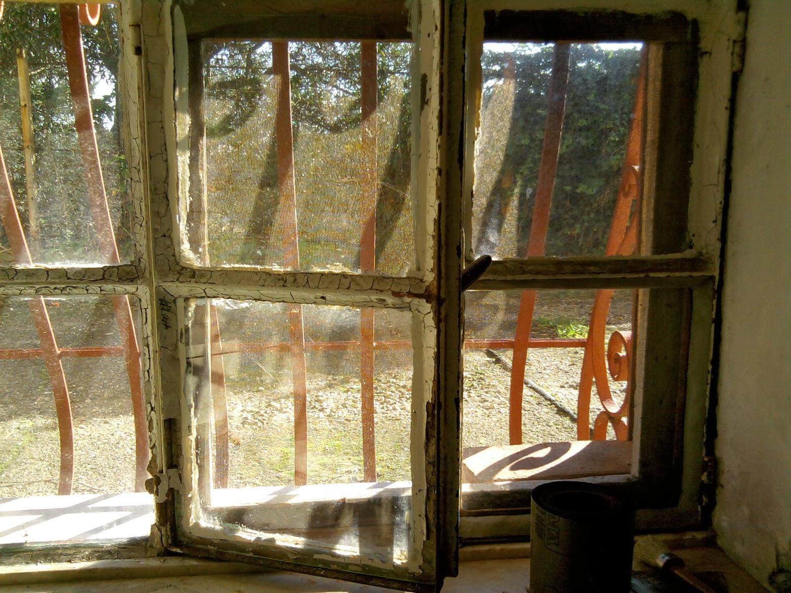 Consigli pratici fissare vetri a telai di metallo o legno - Vetri antiriflesso per finestre ...