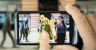 """Una nueva aplicación, llamada """"Remove"""", permite eliminar aquellos elementos de la escena que el usuario no quiera que salgan en su imagen, tales como vehículos o personas de paso. Este nuevo servicio ha sido desarrollado por la compañía sueca Scalado, proveedora de tecnologías de la imagen para la industria móvil. En muchas ocasiones, a la hora de reañizar fotografías en lugares públicos y muy transitados por turistas o por sus propios habitantes, se """"cuelan"""" personas que no deberían aparecer en ella, ya sea por error o por molestar. Pero en tal caso, ya no será necesario repetir la escena una"""