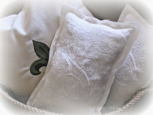 linen pillows with french lavender
