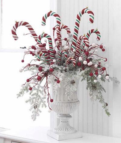 daze of grace: Christmas Door Decor: Ode to Pinterest