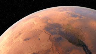 Encuentran agua líquida en Marte
