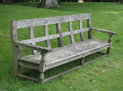 Weathered Oak bench  220 cm wide x 100 cm x 88 cm high via Garnier (be) website as seen on linenandlavender.net